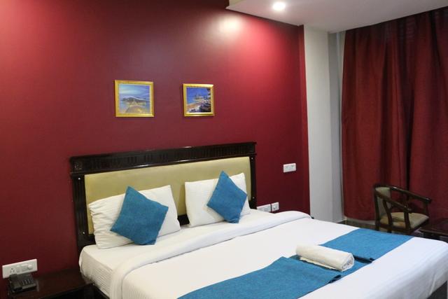 Hotel Golden Oyster in Dehradun