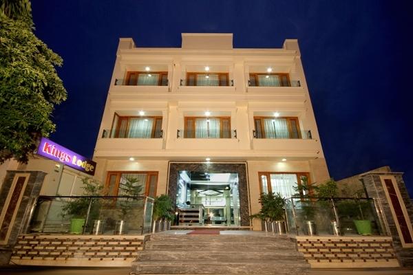 Hotel Kings Lodge in Jammu