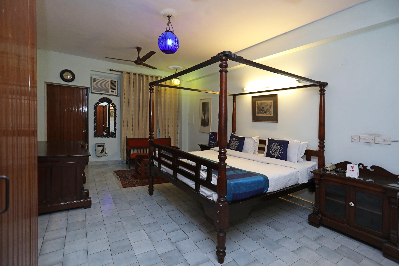 OYO 1427 Hotel Malhar Haveli in Noida