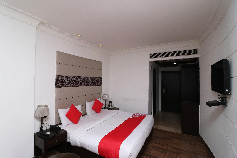 Oyo 1600 Hotel Orchid in Faridabad