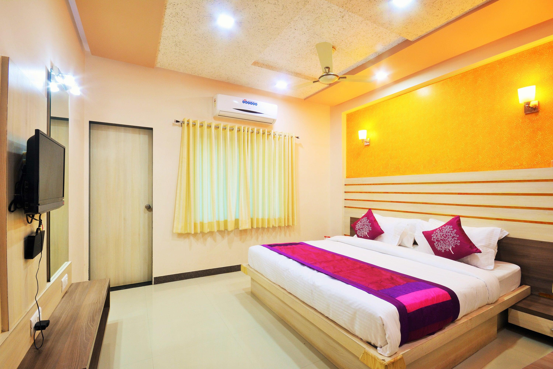 Oyo 2406 Hotel Sun Plaza in Somnath