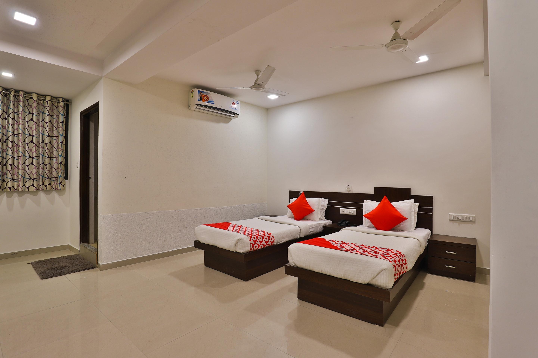Oyo 3433 Hotel Royal Hill in Gandhinagar