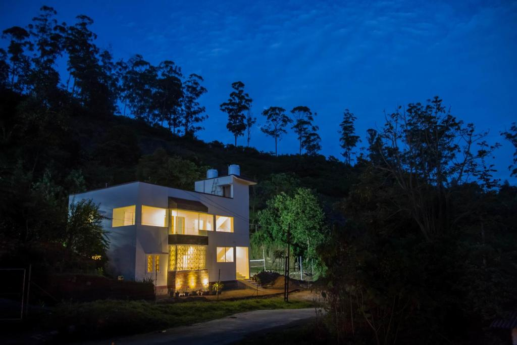Petra Family Guest House in Valparai