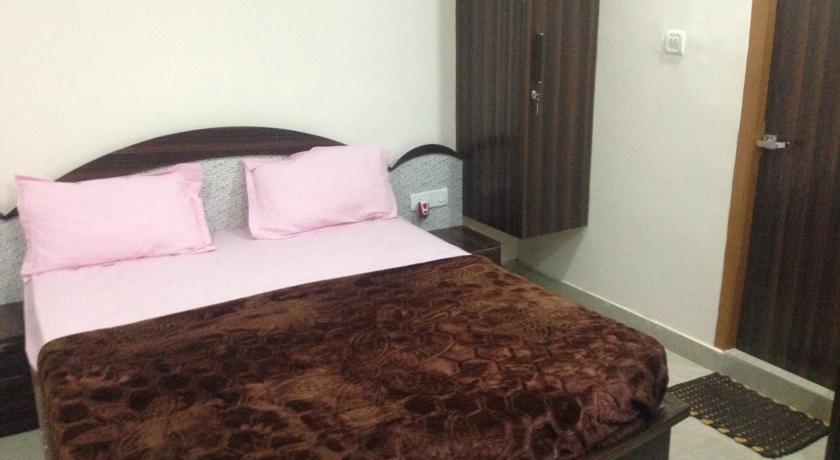Hotel H M International in Varanasi