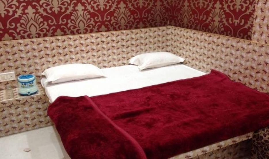 Rajshree Hotel in Ujjain