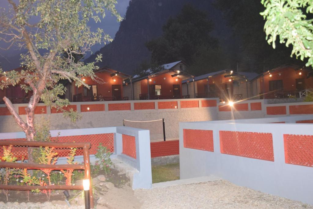 Samsara Manali Retreat (river Side Cottages & Resort) in Manali