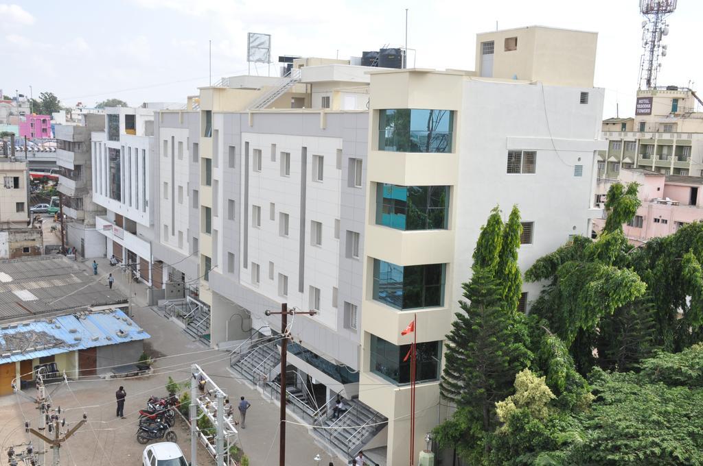 Hotel Sri Vaari Residency in Hosur
