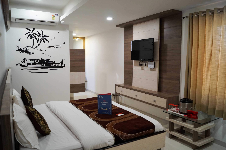 OYO 4362 Hotel Grand Paradise in Vadodara