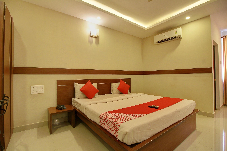 OYO 4594 Apartment Krish Inn in Coimbatore