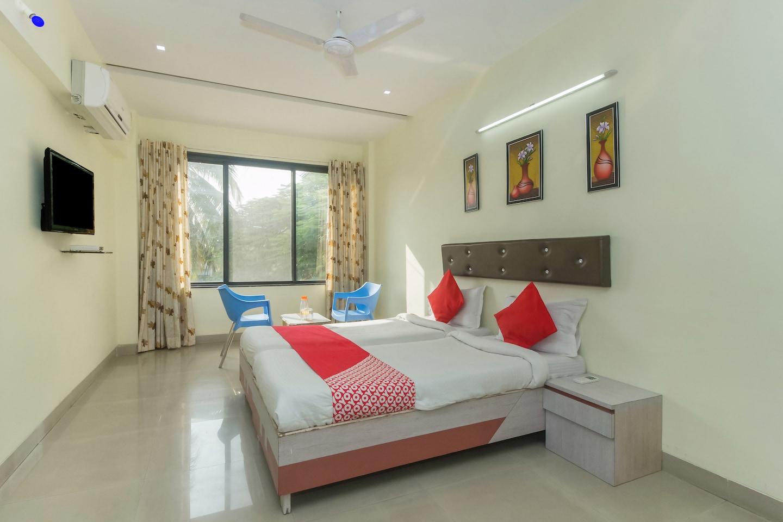 OYO 4387 Hotel Theem Plaaza in Nashik