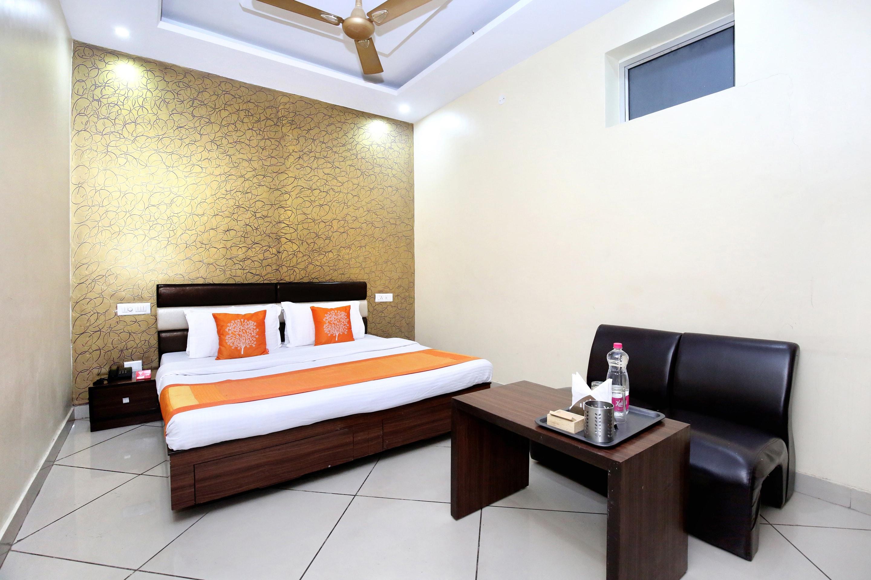 OYO 5375 Hotel White House in Chandigarh