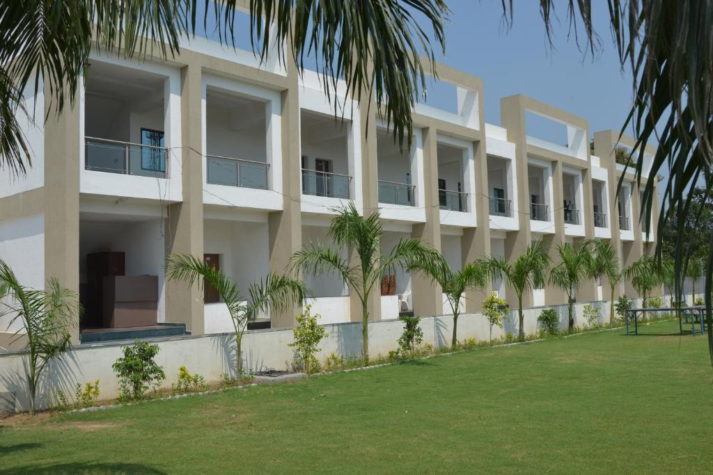 Banyan Paradise Resort in Vadodara