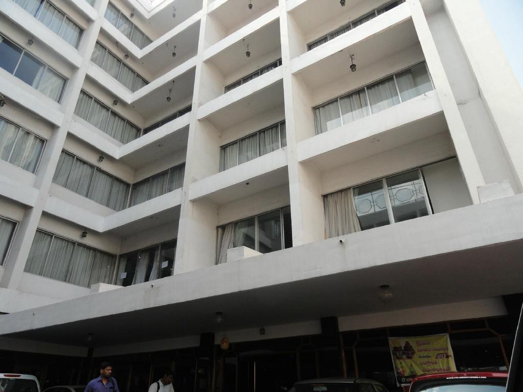 Hotel Ilapuram in Vijayawada
