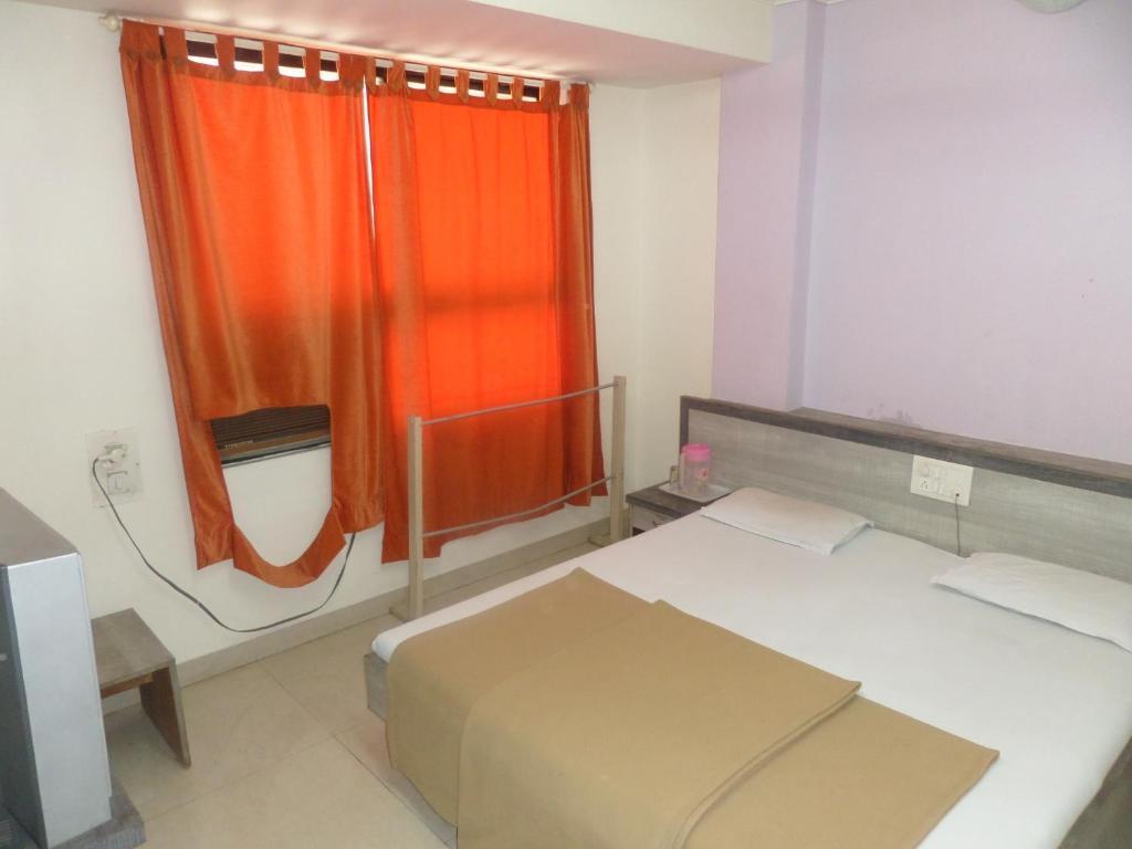 Hotel Hem Executive in Satara