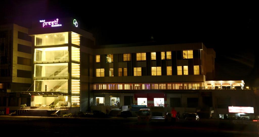 Hotel Preeti Executive in Satara