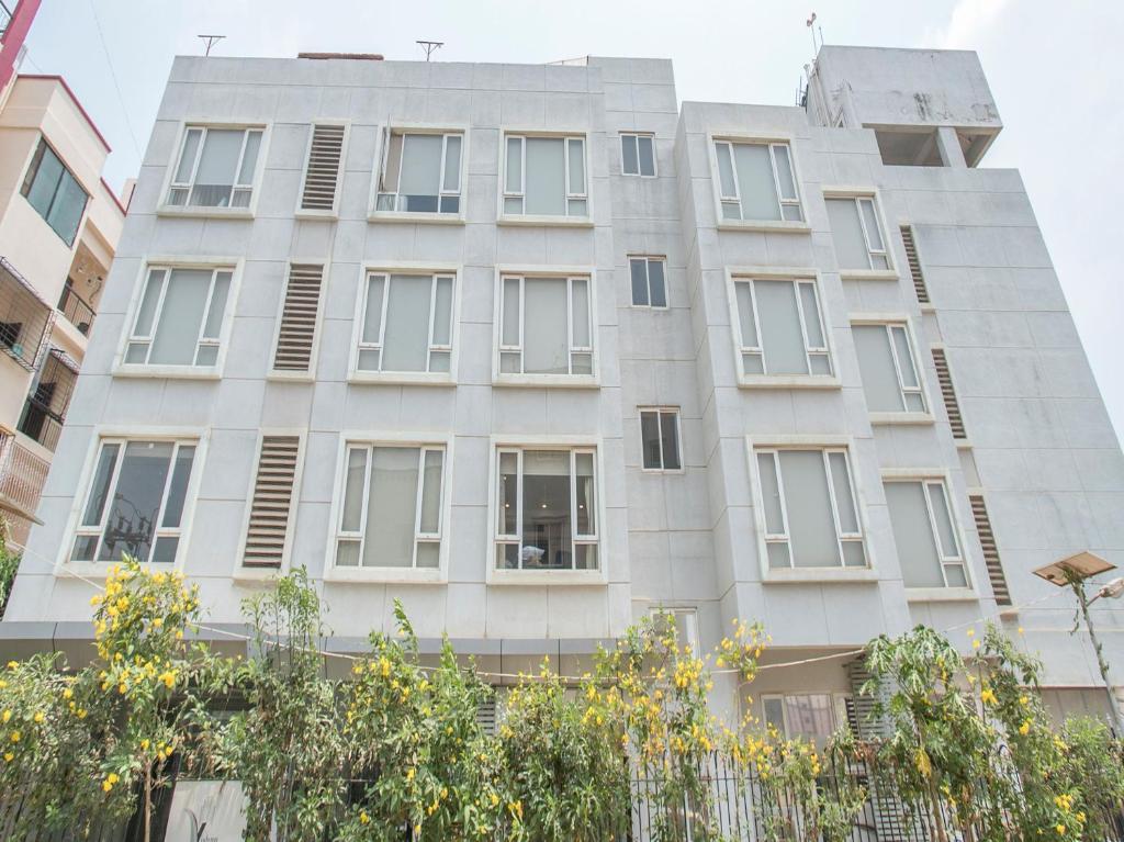 Oyo 1350 Hotel Sherwood Suites-2 in Bengaluru
