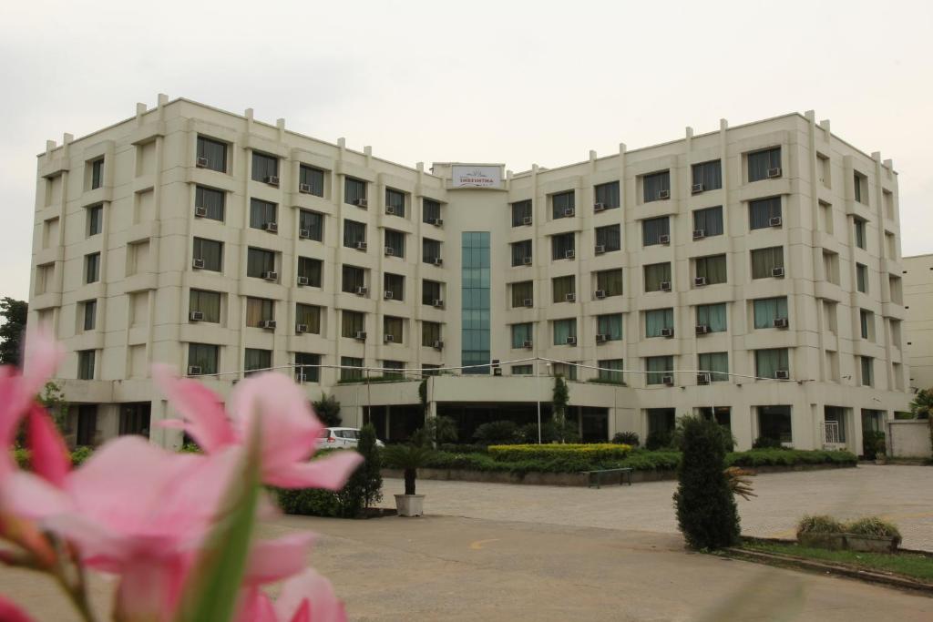 Hotel Shreshtha in Raigarh
