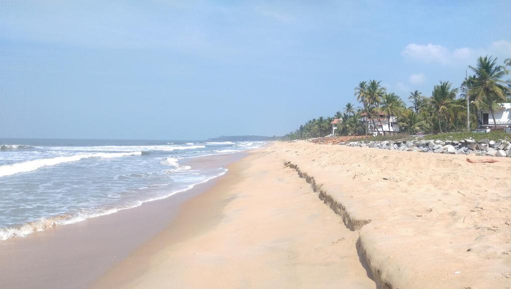 Sun N Tan Beach Home in Kannur