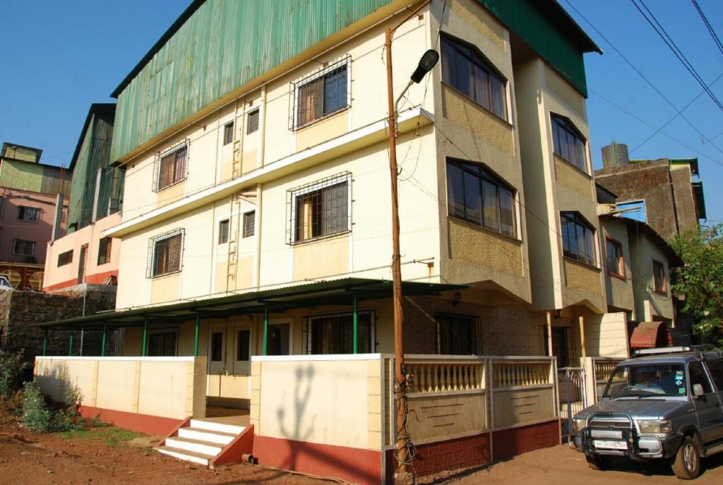 Hotel Shanti Palace in Mahabaleshwar
