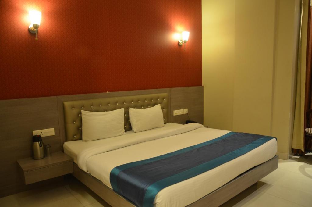 Hotel Silver Star in Mathura