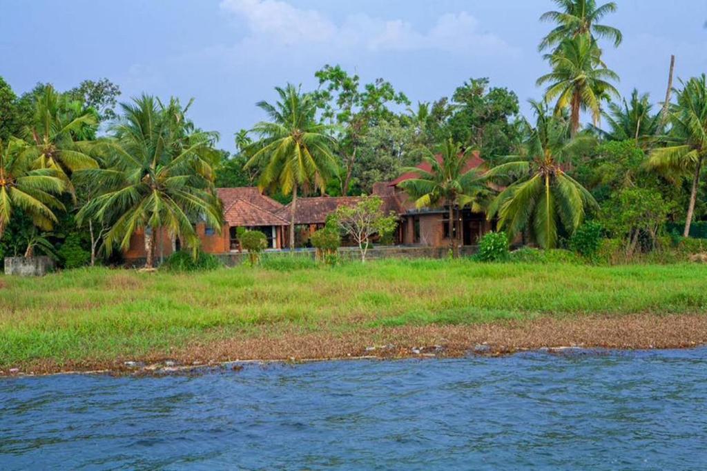 Vinnca Lake House in Kumarakom
