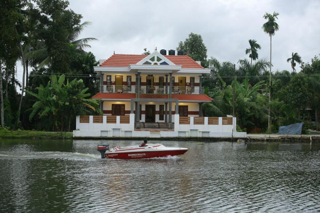 Mango Kerala Homes in Kumarakom