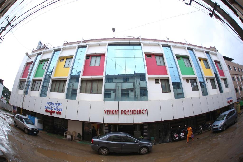 Hotel Venkat Presidency in Bengaluru