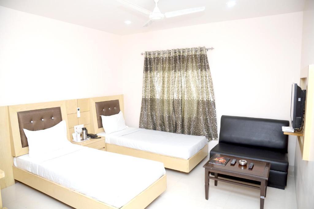 Hotel Simran Inn in Raipur