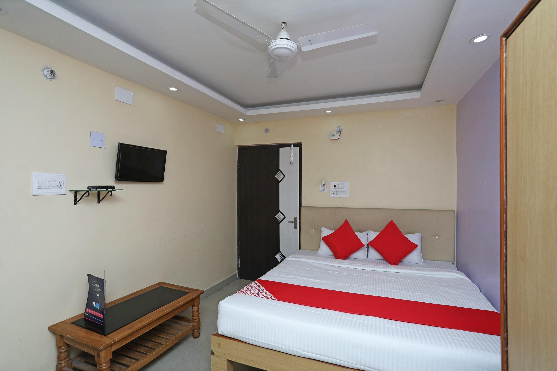 Oyo 4101 Hotel D P International in Patna