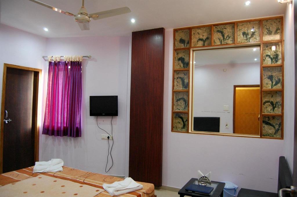 Hotel Celebrity in Bilaspur