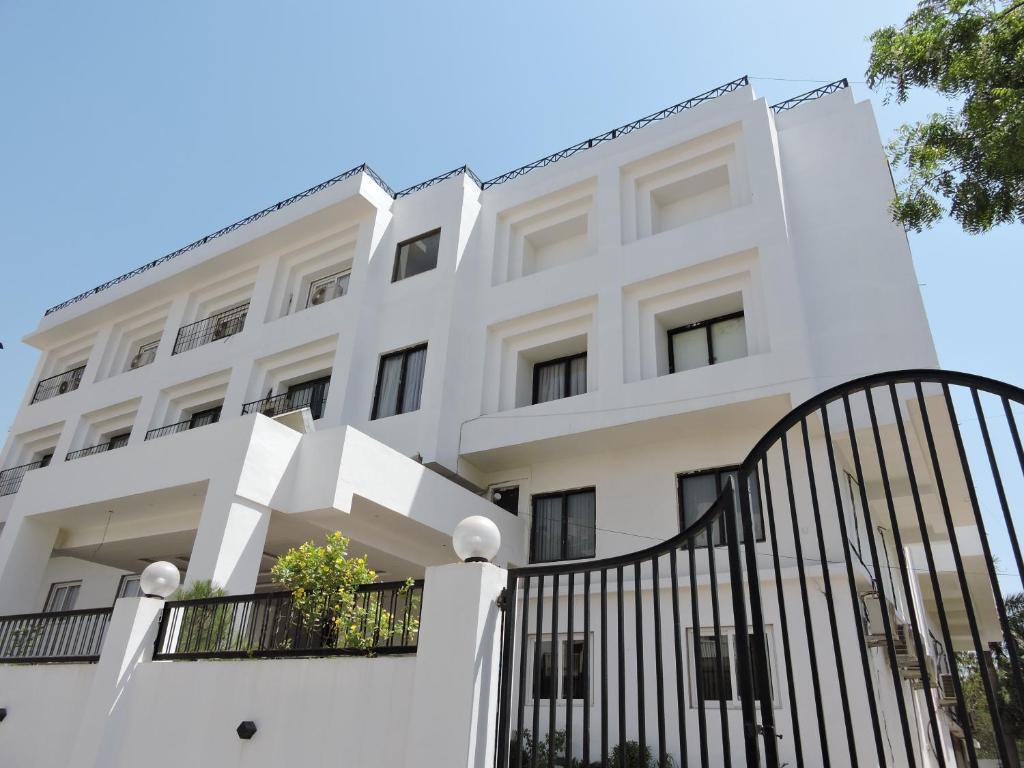 Hotel Uma Residency in Satna