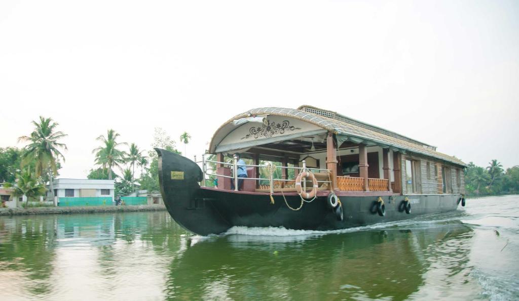 Genesis Houseboats in Alappuzha