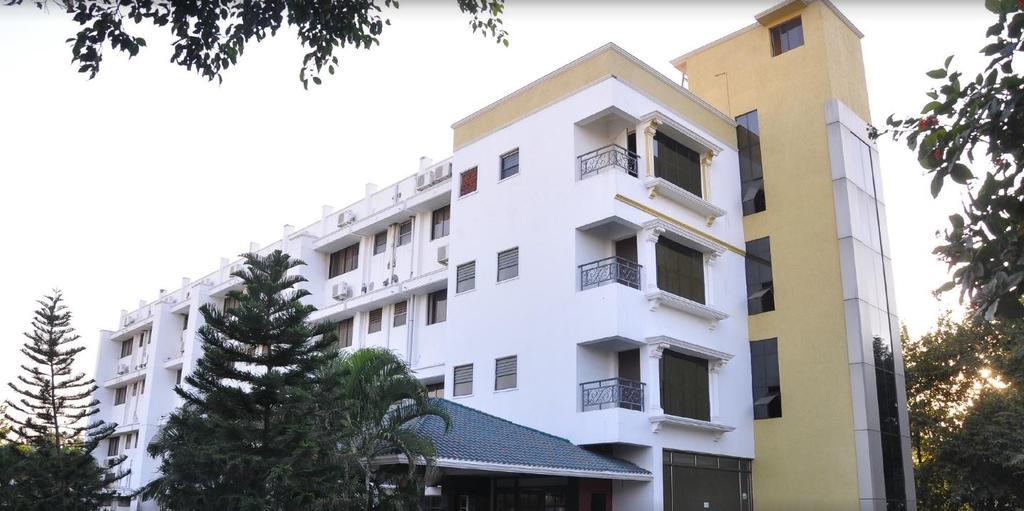Gayathri Hotels in Tiruppur