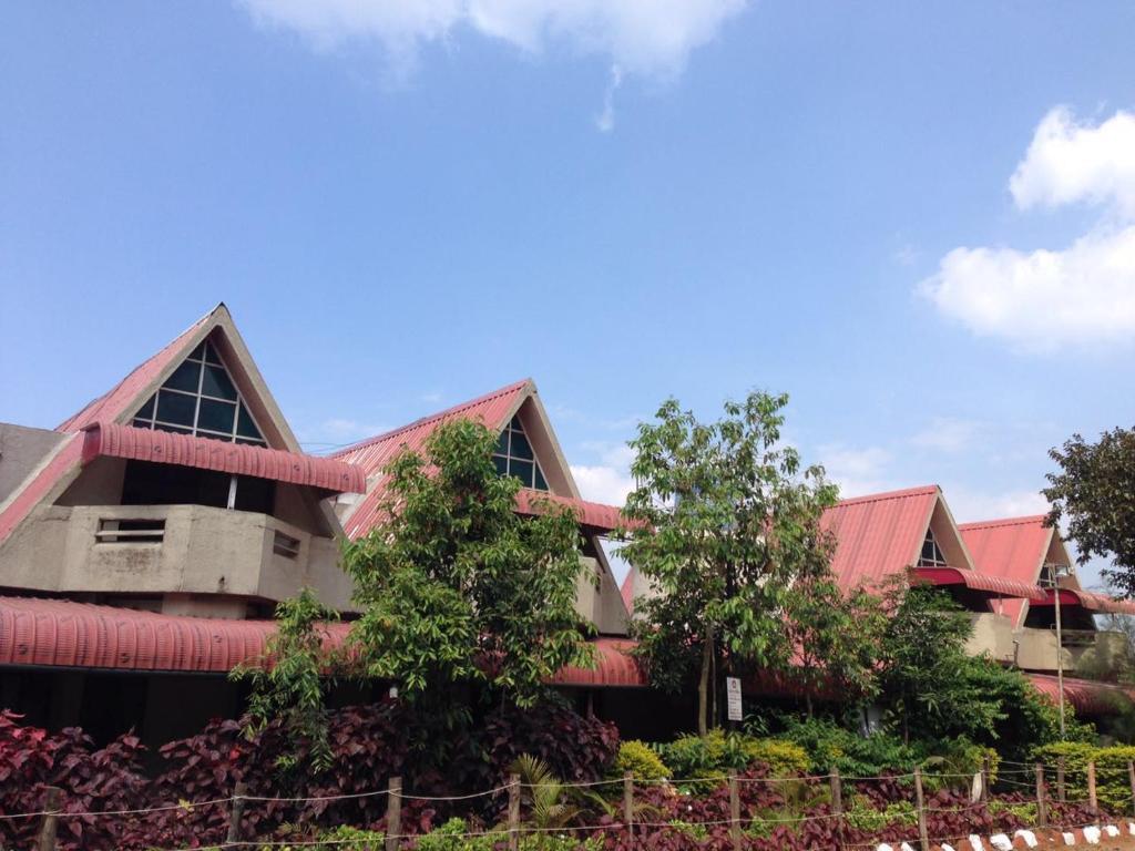 Savshanti Motels in Saputara