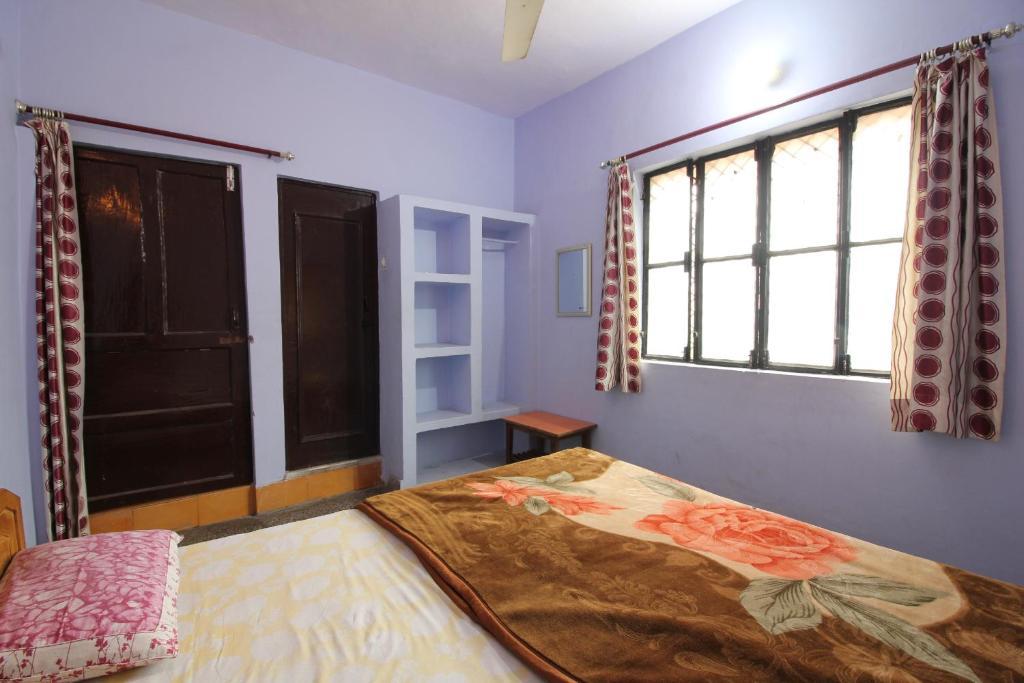 Budget Stay Near Swarg Ashram in Rishikesh