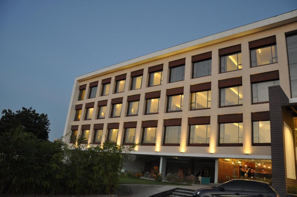 Mango Hotels Tansha Regal in Vadodara
