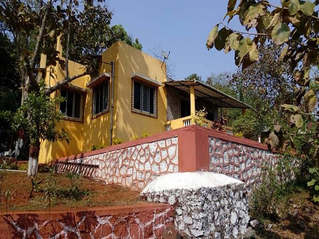 Bandys Riversong in Chinchavli