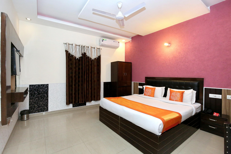 Oyo 5026 Preet Hotel in Chandigarh