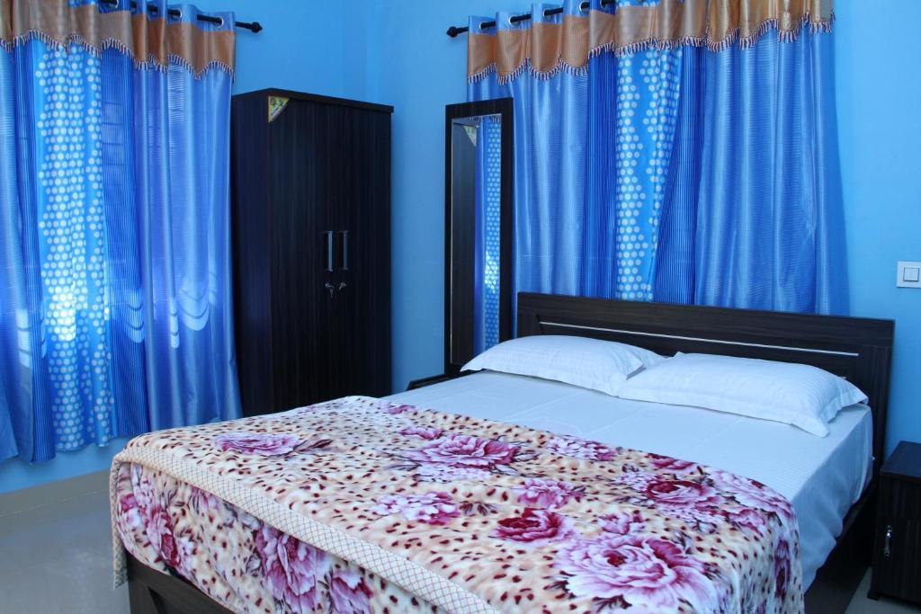 Aathishaya Holiday Inn in Maraiyur