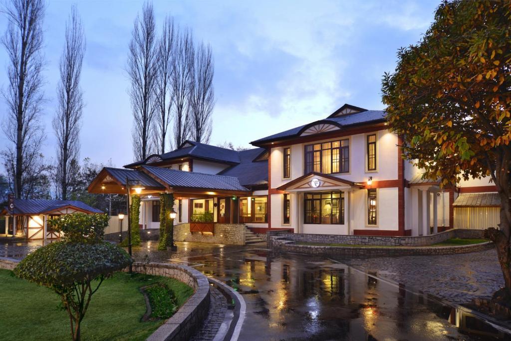 Fortune Resort Heevan, Srinagar - Member Itc's Hotel Group in Srinagar