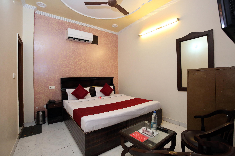 Oyo 5853 Hotel Shingar Regency in Chandigarh