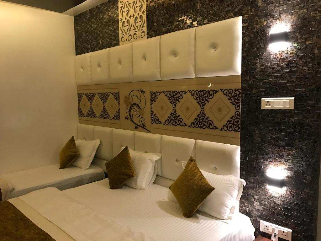Hotel Mmk in Kanpur