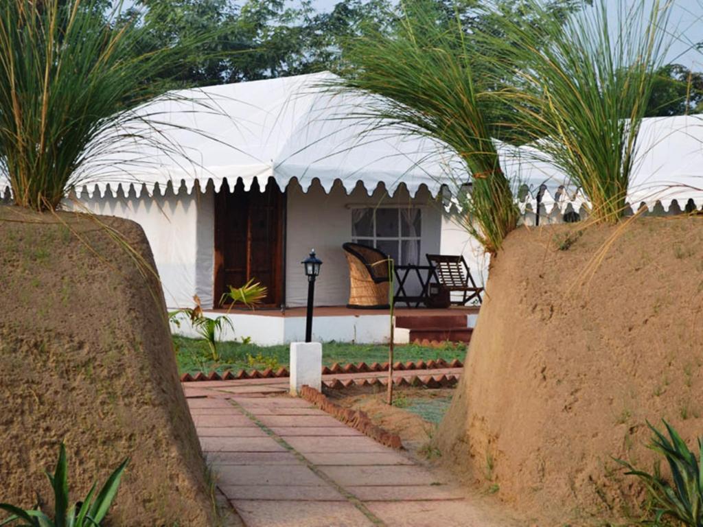 White Mushroom Hotel - Jungle Cave in Ranthambhore