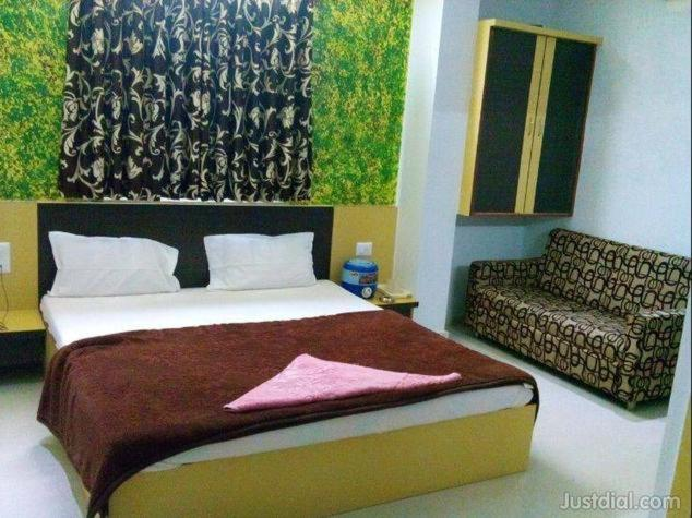 Hotel Royal Plaza in Himatnagar