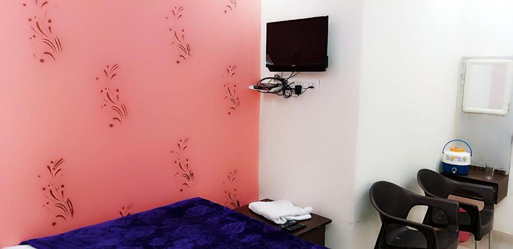 Hotel Ganesh & Rastaurent in Chattargarh