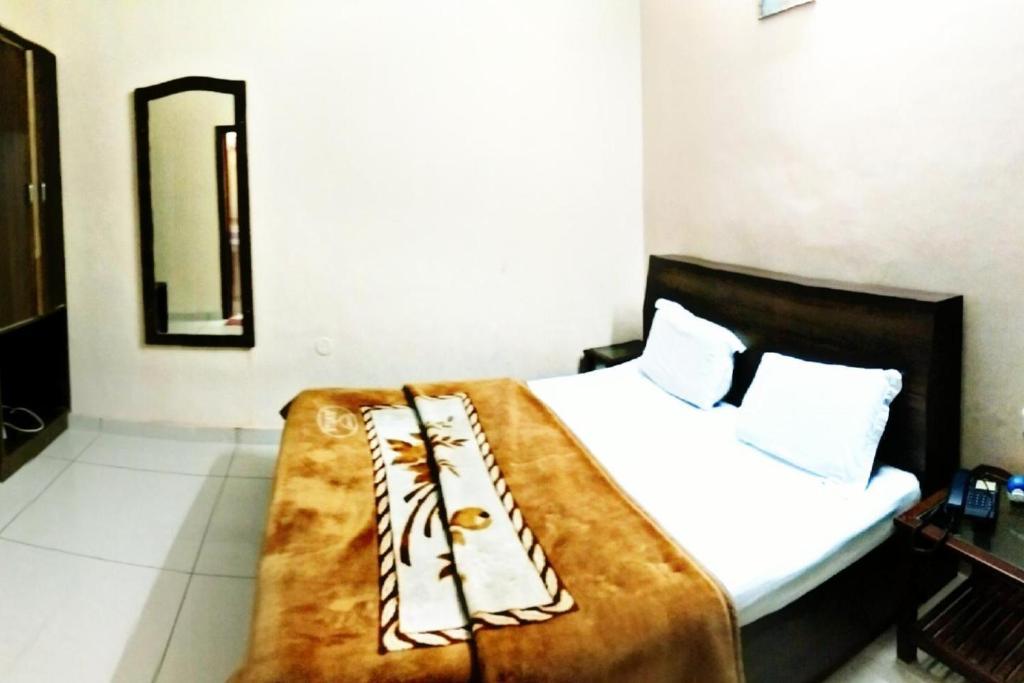 Hotel Aroma Inn in Sirsa