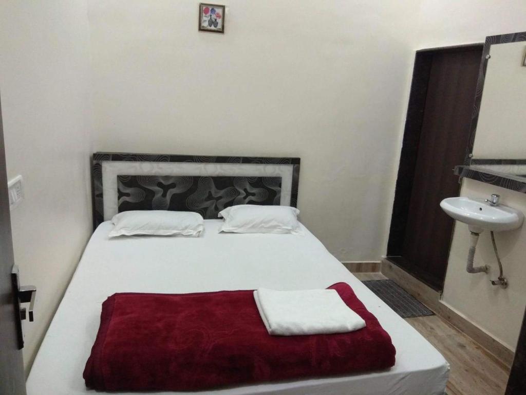 OYO 26612 Phoenix Inn in Raipur