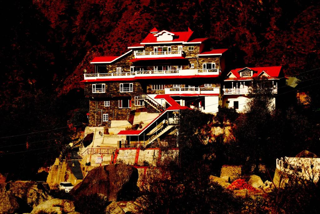 Rocks And River Homestay in Chamba