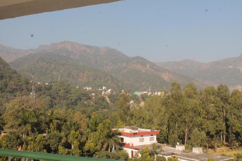 Homely Stay Near Swarg Ashram in Rishikesh