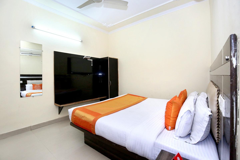 OYO 8073 Grand Residency in Chandigarh